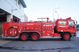 Large chemical fire engine
